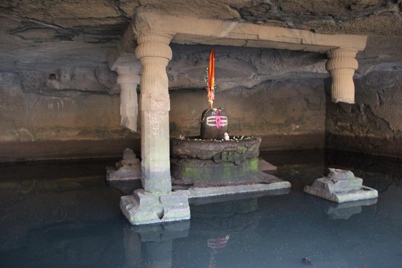 Harishchandragad Kedareshwar cave