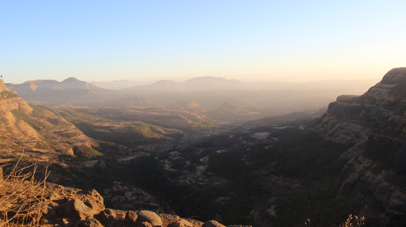 Harishchandragad view from sunrise point after tolar khind (2)